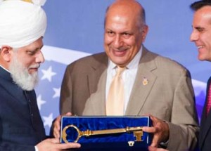 Khalifa_of_islam_los_angeles_Key_Ahmadiyya