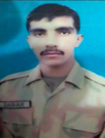 Tirah Valley Martyr Qaiser Naveed Bhatti buried in Rabwah   Page 4