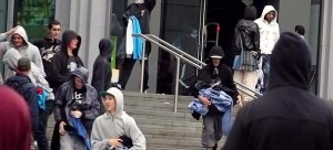 london_looters.jpg
