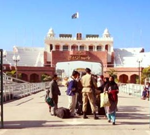 Ahmadis travel to India for the annual convention