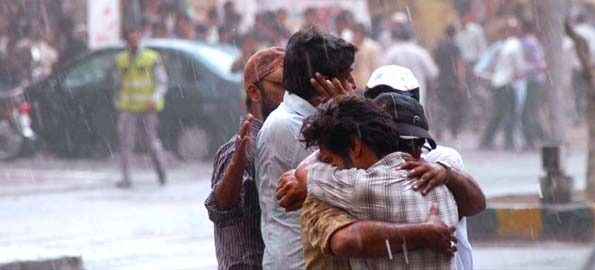 ahmadiyya_mosque_attack_mascare2