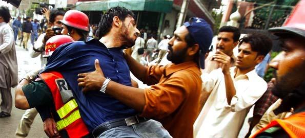 ahmadiyya_mosque_attack_mascare6