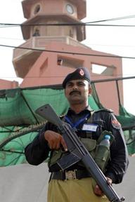 ahmadiyya_mosque_attacks_lahore_28_may2010
