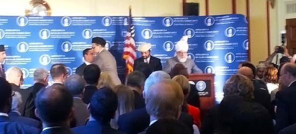 Ahmadi Muslim leader pushes plight in Congress
