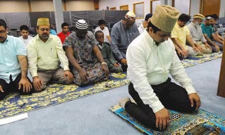 Persecuted Ahmadiyya Muslims worship freely in the US