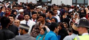 british_ahmadiyya_muslims_london_morden_mosque5