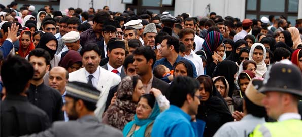 Thousands of British Muslims celebrate Eid at Morden Mosque London