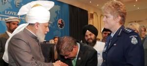 khalifa_of_islam_mirzamasroor_australia3