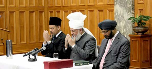 ahmadiyya-khalifa_islam_new_zealand3