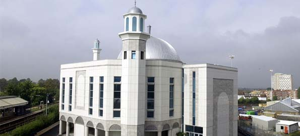 Britain's Biggest Mosque invites people to a big Break-Fast