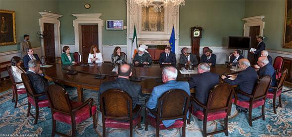 6khalifa_islam_ahmadiyya_irish_parliament