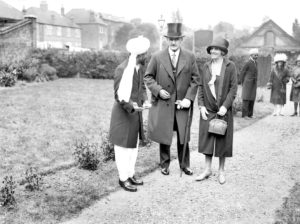 UNITED KINGDOM - JANUARY 25:  Lord and Lady Allenby were among the prominent personalities who visited the London Mosque this afternoon on occasion of the Muslim Festival.  (Photo by Planet News Archive/SSPL/Getty Images)