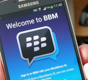 Pakistan bans BlackBerry's encrypted messaging services