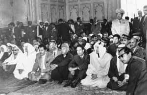 nd-kuwait-were-hosted-by-pakistani-prime-minister-zulfikar-ali-bhutto-left-of-gaddafi-here-they-attend-prayers-at-a-mosque-in-lahore-pakistan-feb-23-1974