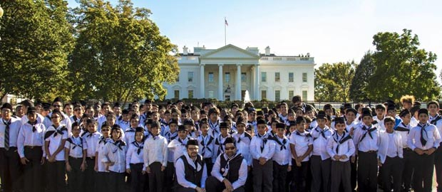 Ahmadiyya Muslim youth visit U.S. capitol to show support for anti-bullying law