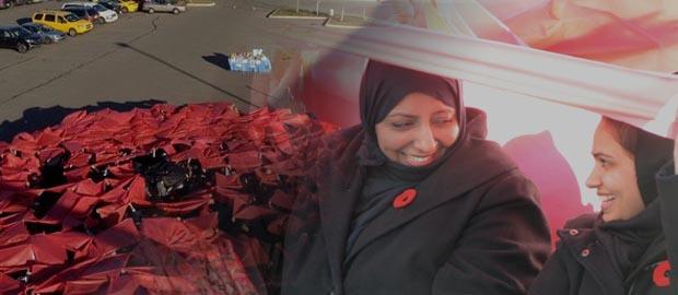 Ahmadiyya Muslims create giant human poppy to honour veterans