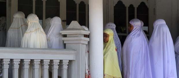 Indonesian province bans Ahmadiyya Islamic sect from 'spreading faith'