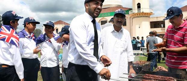 Persecuted Ahmadiyya Muslims who fled Pakistan celebrate Australia Day