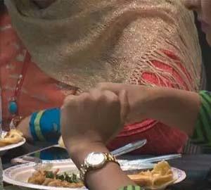 Ahmadiyya Muslim women hold fundraising dinner for Syrian refugees