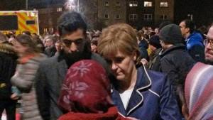 Nicola-Sturgeon-at-vigil-for-murder-victim-Asad-Shah-in-Shawlands-Glasgow