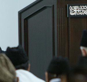 Head of Ahmadiyya Muslim Community pays tribute to Abdul Sattar Edhi