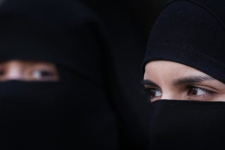 German restaurant expels Muslim woman over Veil row