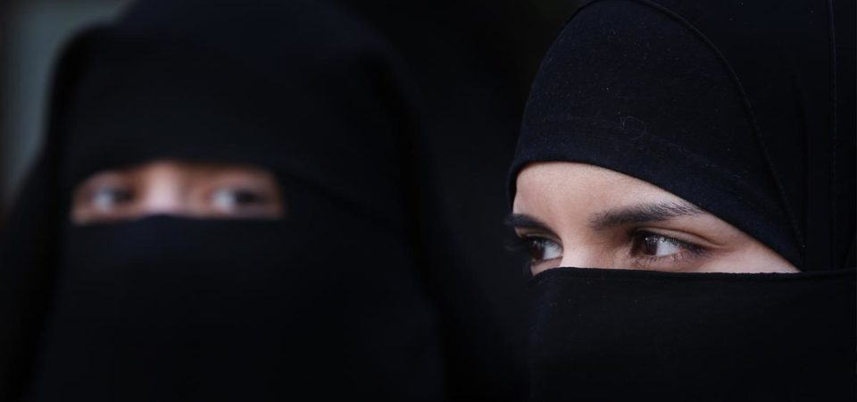 German restaurant expels Muslim woman over Veil row