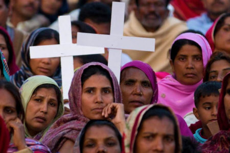 Pakistan bans Christian TV channels