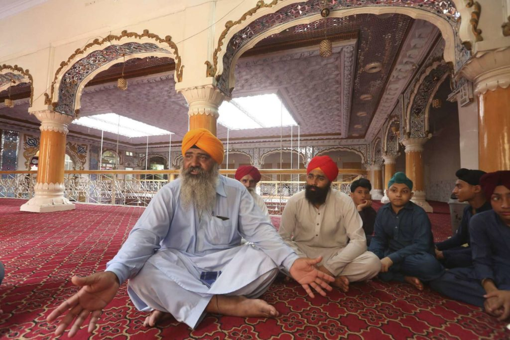 Sikhs told to 'convert to Islam' by Pakistani official